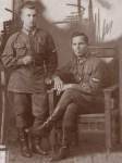 Справа курсант Митников П.Т. 1939 год (фото от внука Сергея Митникова)