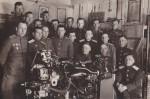 Группа инженеров 194 гв.атп ВДВ на занятиях. ДальВО. Галёнки. 1947 год